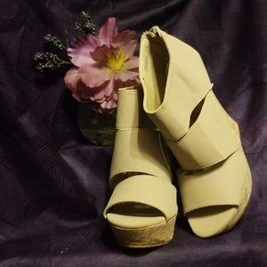Platform heels 🔥Hot Deal 🔥